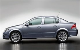 2010-opel-astra-automatic-belogradchik-mic-1-25.jpeg