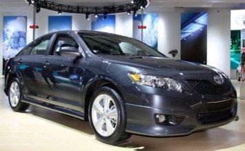 2010 Тойота Камри автомат