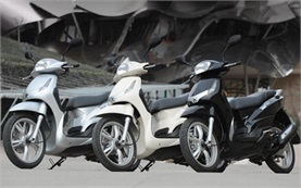 2013 Peugeot Tweet 125cc - scooter rental Barcelona