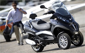 2013 Piaggio MP3 400 - scooter rental in Madrid