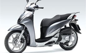 2014 Honda SH 300i - scooter for rent in Barcelona