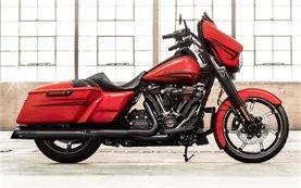 2016 Harley Davidson Street Glide - rent motorbike Malaga