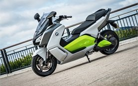 BMW C-evolution Electric scooter rental in Paris
