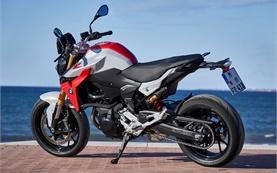 BMW F 900 R мотоциклов напрокат - Женева