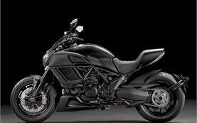 Ducati Diavel - alquilar una motocicleta en Roma