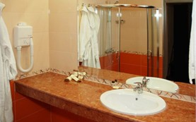 Bathroom - double room - Business Hotel Plovdiv