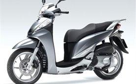 Honda SH 300i - скутери под наем в Барселона