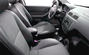 interior  ford focus hatchback
