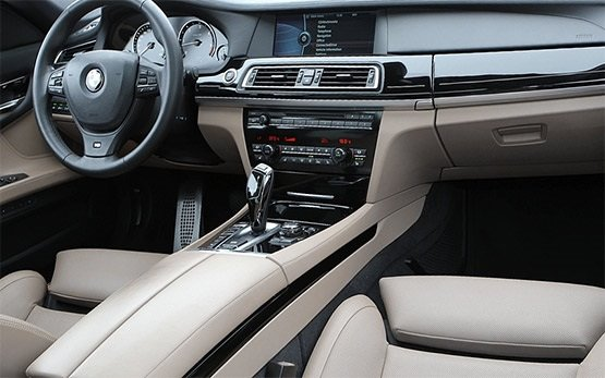 Interior 2011 BMW 740 AUTO XD