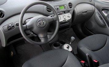 Интериор » 2006 Тойота Ярис Версо 1.3