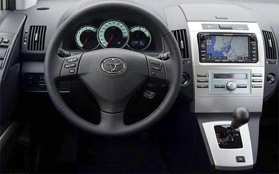 Interior » 2013 Toyota Corolla Verso