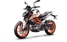 KTM 390 Duke - motorcycle rental in Geneva