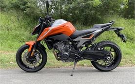 KTM 790 Adventure - motorcycle rental in France