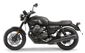 Moto Guzzi V7 мотоциклет под наем Милано