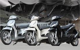 Peugeot Tweet 50cc - scooter rental Madrid