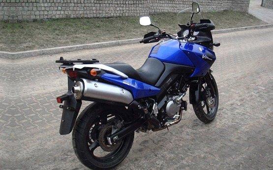 Сузуки В-Стром 650cc мотоциклов напрокат в Греция