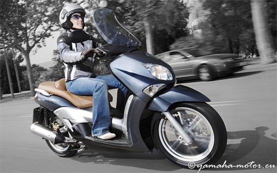 Ямаха 250cc - скутер напрокат в Салониках