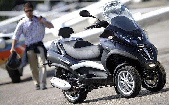 Пьяджо МР3 500 - аренда скутеров в Ницце