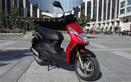 2013 СИМ Орбит 50cc - скутер на прокат Нице