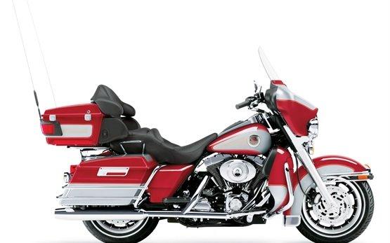 2015 Harley-Davidson Electra Glide Ultra Limited - Motorradverleih Zagreb