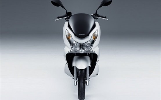 2017 Honda Pcx 125 Cc Scooter Rental In Nice France