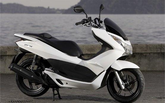Honda PCX 150cc - прокат скутеров в Станбуле
