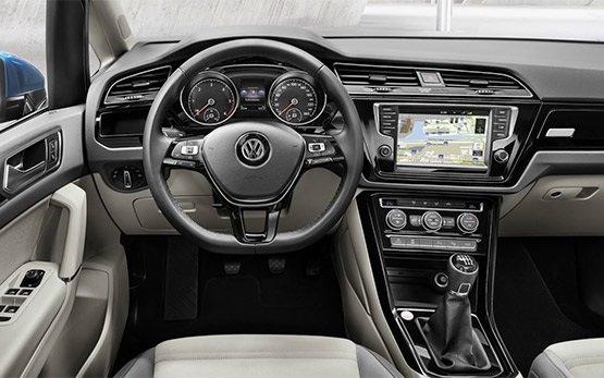 Interior » 2015 VW Touran