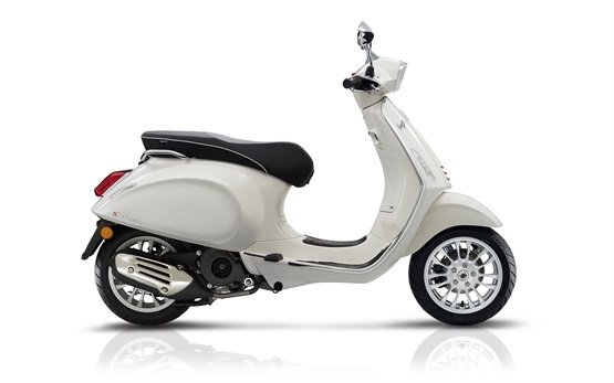 Vespa Sprint 50 - hire a scooter Bulgaria