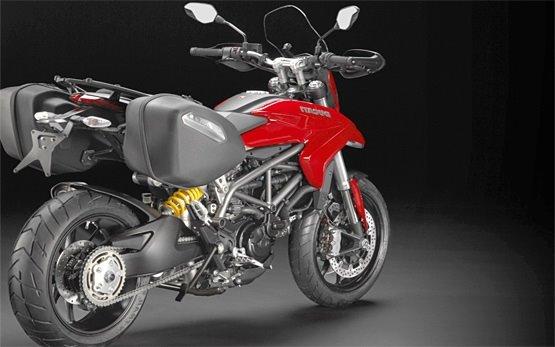 Ducati Hyperstrada - alquilar una moto en Roma