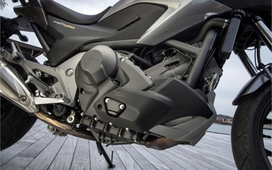 Honda NC750X - прокат мотоцикла Афины