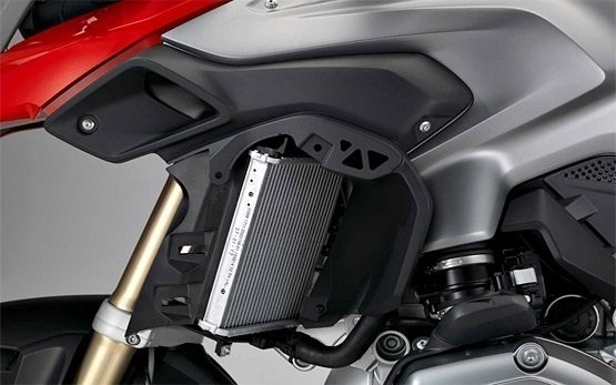 2016 БМВ R 1200 GS - аренда мотоцикла в Швейцарии