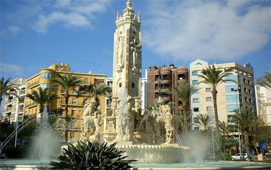 Alicante - Luceros fountain square