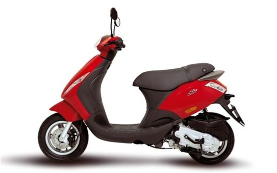 rent piaggio moped in florence. cheap piaggio scooter.