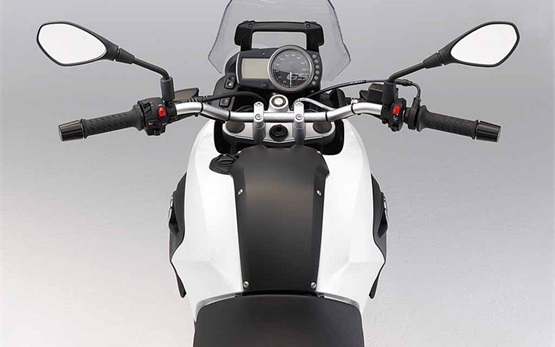 2012 БМВ 650 GS ТВИН мотоцикл напрокат Ираклион