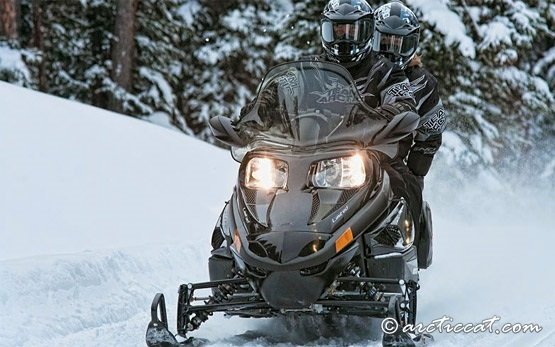 2013 Artic Cat T570 Touring - snowmobile hire
