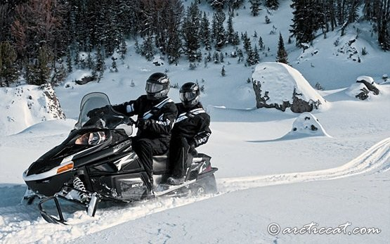 2013 Artic Cat T570 Touring - Snowmobile Rental