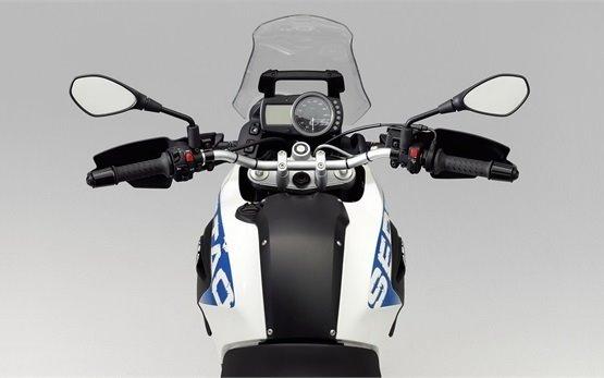 2013 БМВ G 650 GS - прокат мотоцикла Италия
