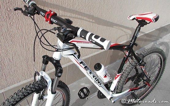 2013 ФЕРРИНИ R3 кросс-кантри велосипед