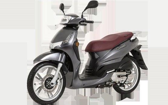 2013 peugeot tweet 50cc scooter rental in barcelona spain. Black Bedroom Furniture Sets. Home Design Ideas