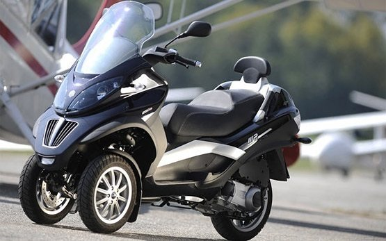 2014 piaggio mp3 300cc scooter rental in paris france. Black Bedroom Furniture Sets. Home Design Ideas
