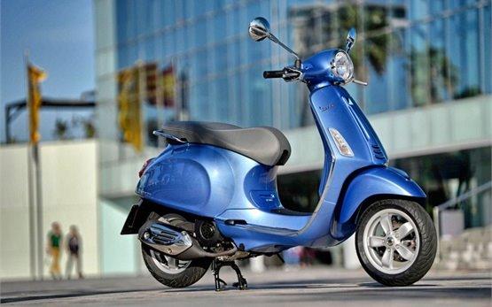 2015 Vespa Sprint прокат скутеров в Риме