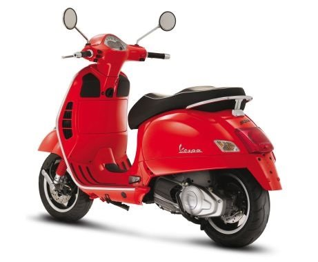 2011 Пьяджио Веспа 125 прокат скутерa Италии