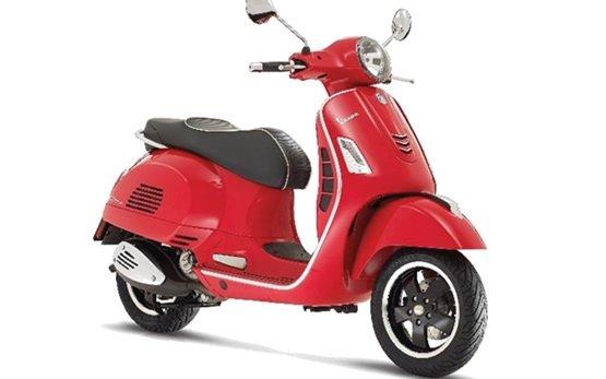 Пиаджио Веспа скутер под наем във Флоренция