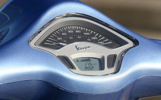 2013 Пьяджио Веспа 125 прокат скутерa Испании