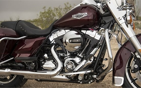Harley-Davidson Road King - rent a bike Melbourne