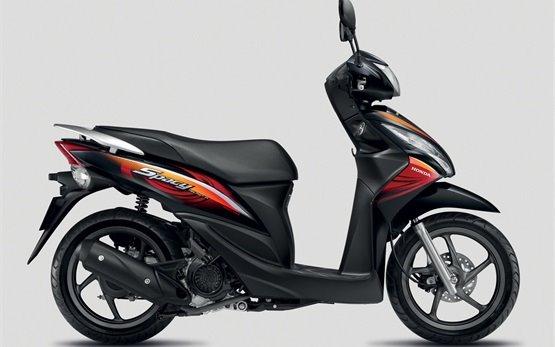 2014 Хонда Спейси 110 - прокат скутеров в Измир
