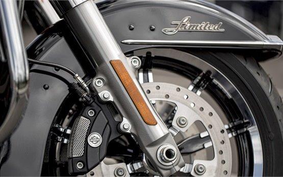 Harley-Davidson Electra Glide - alquiler de motos en Lombardía