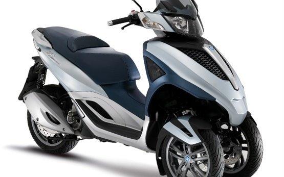 2016 piaggio mp3 300cc scooter rental in sofia bulgaria. Black Bedroom Furniture Sets. Home Design Ideas