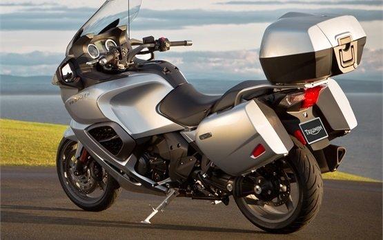 2016 Triumph Trophy 1200 - аренда мотоцикла Малага
