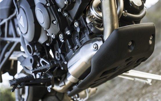 Triumph Tiger XC 800 мотоциклет под наем в Малага